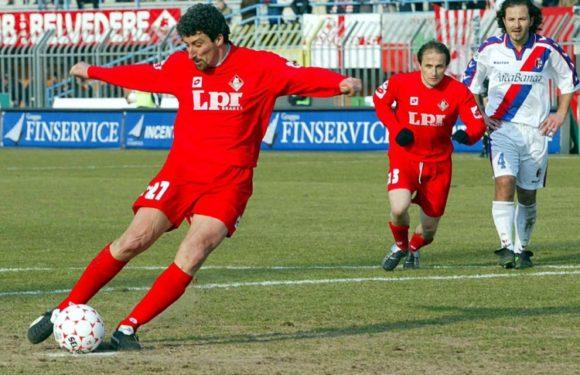 Roger Hunt, che ha giocato in prima posizione
